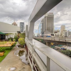 Hom Hostel & Cooking Club Бангкок балкон