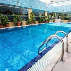 Достык Отель бассейн