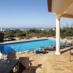 Отель The Village Praia D El Rey Golf & Beach Resort Обидуш бассейн фото 2