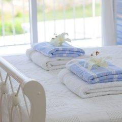 Отель Mimosa Seafront Villa Кипр, Протарас - отзывы, цены и фото номеров - забронировать отель Mimosa Seafront Villa онлайн комната для гостей фото 4