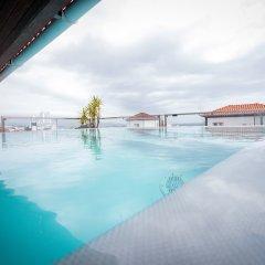 Отель Talisman Португалия, Понта-Делгада - отзывы, цены и фото номеров - забронировать отель Talisman онлайн бассейн фото 2