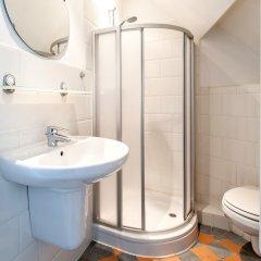 Отель Nieuwmarkt Area Нидерланды, Амстердам - отзывы, цены и фото номеров - забронировать отель Nieuwmarkt Area онлайн ванная