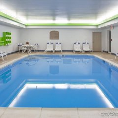 Отель Holiday Inn Express Ex I-71 / OH State Fair / Expo Center бассейн