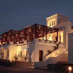 Отель The Cove Rotana Resort вид на фасад