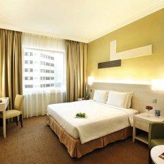 Отель Corus Hotel Kuala Lumpur Малайзия, Куала-Лумпур - 1 отзыв об отеле, цены и фото номеров - забронировать отель Corus Hotel Kuala Lumpur онлайн комната для гостей фото 4