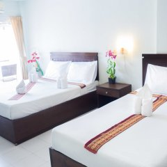 Отель Patong Moon Inn Guesthouse комната для гостей фото 4
