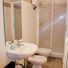 Отель Albergo Verdi Италия, Падуя - отзывы, цены и фото номеров - забронировать отель Albergo Verdi онлайн ванная фото 2