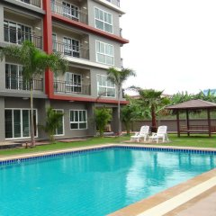 Отель Infinity Holiday Inn Бангкок бассейн