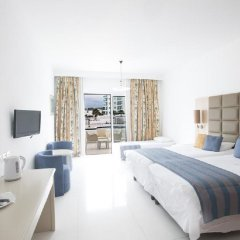 Отель Odessa Beach Протарас комната для гостей фото 4