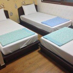 Отель Jongnowon Hostel Южная Корея, Сеул - 1 отзыв об отеле, цены и фото номеров - забронировать отель Jongnowon Hostel онлайн сейф в номере
