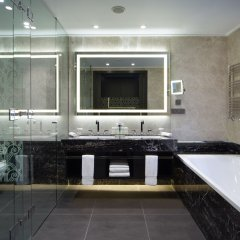 DoubleTree by Hilton Hotel Minsk ванная фото 4
