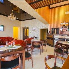 Гостиница Golden House гостиничный бар