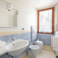 Отель Ca'coriandolo Италия, Венеция - отзывы, цены и фото номеров - забронировать отель Ca'coriandolo онлайн ванная