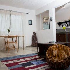 Отель EastWest Hospitality Сьерра-Леоне, Фритаун - отзывы, цены и фото номеров - забронировать отель EastWest Hospitality онлайн комната для гостей фото 4