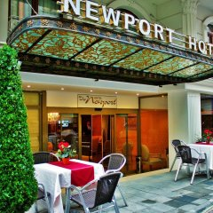 The Newport Hotel гостиничный бар