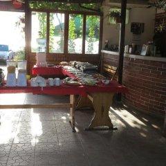 Отель Bisser Болгария, Аврен - отзывы, цены и фото номеров - забронировать отель Bisser онлайн питание фото 2