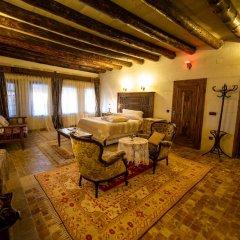 Sofa Hotel Аванос в номере