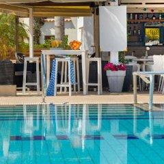 Отель Flouressia Gardens Протарас бассейн