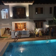 Coastal Suites Apart-Hotel Гоа бассейн