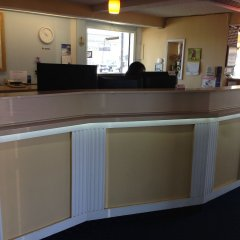 Отель Travelodge Tacoma Near McChord AFB (ex. Whiteroof Inn) США, Такома - отзывы, цены и фото номеров - забронировать отель Travelodge Tacoma Near McChord AFB (ex. Whiteroof Inn) онлайн интерьер отеля фото 2