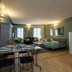 Апартаменты Charming Prague Apartments At Black Star Прага комната для гостей фото 5