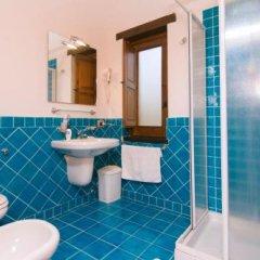 Отель Locanda Le Tre Sorelle Казаль-Велино ванная фото 2