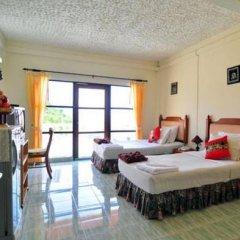 Отель Baan Karon Hill Phuket Resort 3* Номер Делюкс с различными типами кроватей фото 2