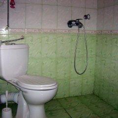 Отель Fenerite Family Hotel Болгария, Тырговиште - отзывы, цены и фото номеров - забронировать отель Fenerite Family Hotel онлайн ванная