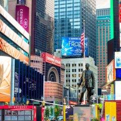 Отель Crowne Plaza Times Square Manhattan США, Нью-Йорк - отзывы, цены и фото номеров - забронировать отель Crowne Plaza Times Square Manhattan онлайн спортивное сооружение