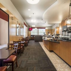 Отель Red Roof Inn PLUS+ Columbus Downtown - Convention Center питание