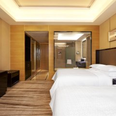 Отель Four Points by Sheraton Langfang, Guan сейф в номере