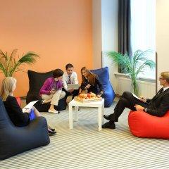 Отель Radisson Blu Hotel Lietuva Литва, Вильнюс - 5 отзывов об отеле, цены и фото номеров - забронировать отель Radisson Blu Hotel Lietuva онлайн фитнесс-зал фото 2