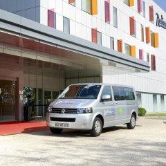 Отель Radisson Blu Hotel Toulouse Airport Франция, Бланьяк - 1 отзыв об отеле, цены и фото номеров - забронировать отель Radisson Blu Hotel Toulouse Airport онлайн городской автобус