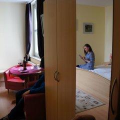 Hotel Garni Am Hopfenmarkt сейф в номере