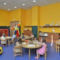 Отель Sol Costa Daurada Salou детские мероприятия фото 2