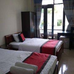 Отель Vip Garden Homestay Хойан комната для гостей