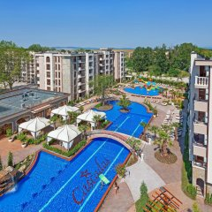 Отель Cascadas Family Resort бассейн