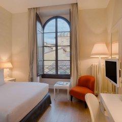 Отель NH Collection Firenze Porta Rossa Италия, Флоренция - отзывы, цены и фото номеров - забронировать отель NH Collection Firenze Porta Rossa онлайн комната для гостей фото 2