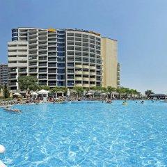 Отель Bellevue Hotel Болгария, Золотые пески - 5 отзывов об отеле, цены и фото номеров - забронировать отель Bellevue Hotel онлайн бассейн