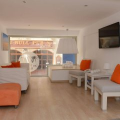 Les Palmiers Beach Hotel in Larnaca, Cyprus from 124$, photos, reviews - zenhotels.com guestroom photo 2