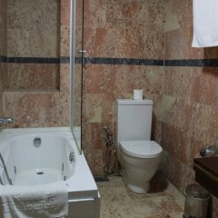 Pasha Palas Hotel Турция, Измит - отзывы, цены и фото номеров - забронировать отель Pasha Palas Hotel онлайн ванная