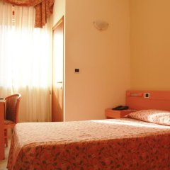 Отель Gran Torino сейф в номере