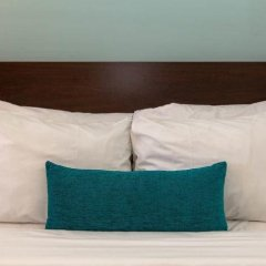 Отель Santa Monica Motel сейф в номере