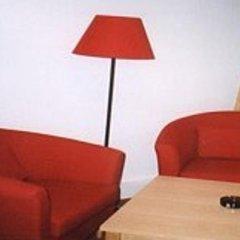 Отель Appartement Pension 700m zum Ring Вена комната для гостей