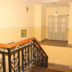 Отель Xcape Hotels and Suites Ltd Нигерия, Калабар - отзывы, цены и фото номеров - забронировать отель Xcape Hotels and Suites Ltd онлайн балкон