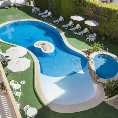 Отель Apartamentos Sa Torre бассейн