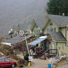 Отель Club Valley Resort Южная Корея, Пхёнчан - отзывы, цены и фото номеров - забронировать отель Club Valley Resort онлайн парковка