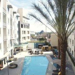 Отель The 5200 Wilshire Blvd США, Лос-Анджелес - отзывы, цены и фото номеров - забронировать отель The 5200 Wilshire Blvd онлайн бассейн фото 3