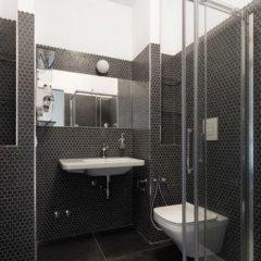 Отель Babila Hostel & Bistrot Италия, Милан - 1 отзыв об отеле, цены и фото номеров - забронировать отель Babila Hostel & Bistrot онлайн ванная