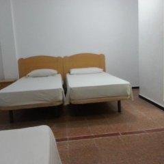 Отель Hostal Casa De Huéspedes San Fernando - Adults Only комната для гостей